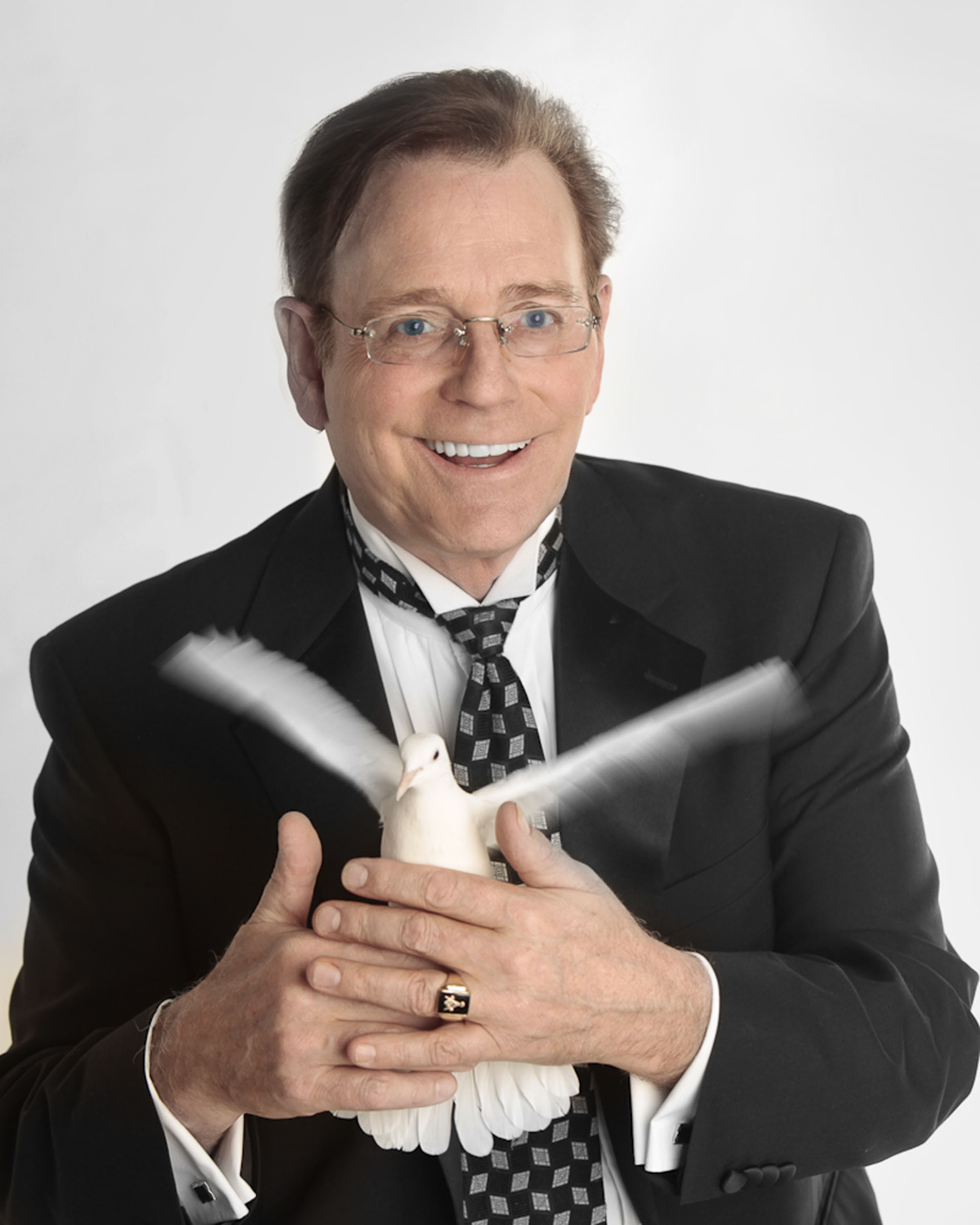 Fielding West - Comedy Magician | Teacher | Keynote Speaker